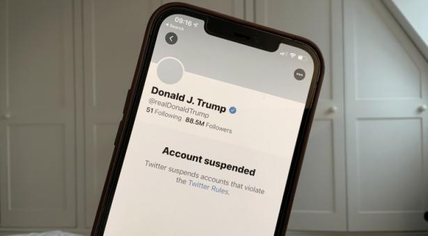 Réseaux sociaux : où en sommes-nous, un mois après le départ de Trump et compagnie?